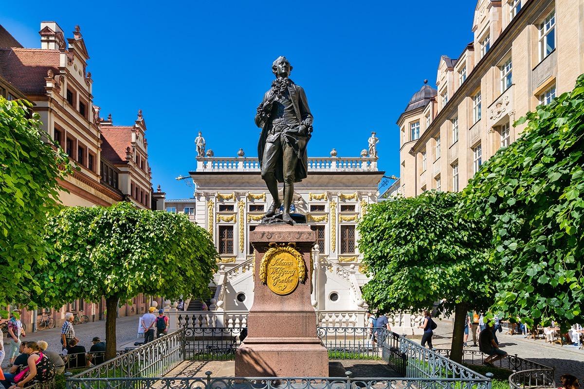 http://www.eugps.eu/assets/uploads/Leipzig-Germany-May-27-2017-The-Goethe-memorial-statue-on-the-Naschmarkt.-694039452_7000x4669.jpg