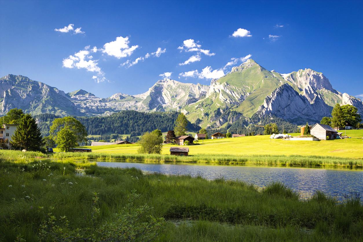 http://www.eugps.eu/assets/uploads/Schwendi-lakes-in-Toggenburg-Switzerland-511980878_1258x838.jpeg