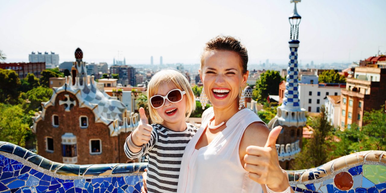 http://www.eugps.eu/assets/uploads/Smiling-mother-and-baby-at-Park-Guell-showing-thumbs-up-524163660_2097x1433-1280x640.jpeg