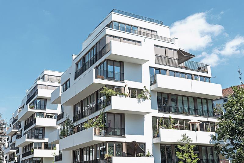 http://www.eugps.eu/assets/uploads/White-modern-apartment-house-578830714_4800x3204.jpg